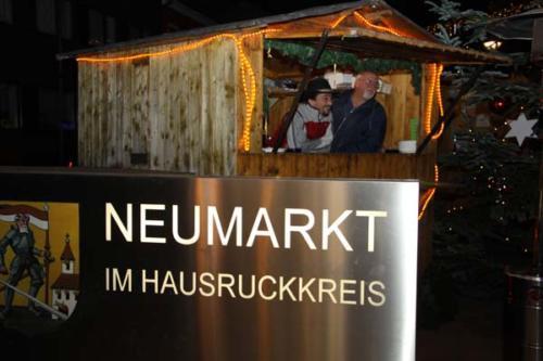 2011-11-25 - Neumarkter Adventmarkt - 1. Freitag (006)