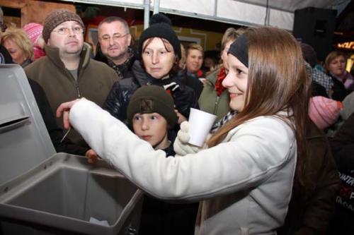 2011-12-16 - Neumarkter Adventmarkt - 4. Freitag (127)